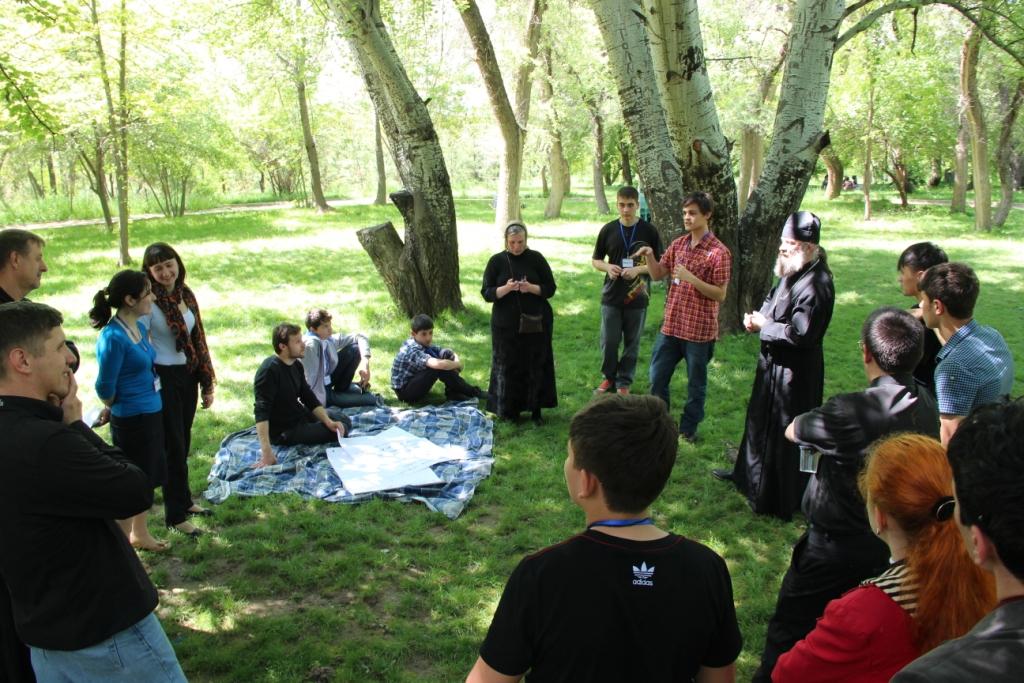«Полезная, вредная глобальная сеть» — первая встреча молодежного отдела Душанбинской епархии