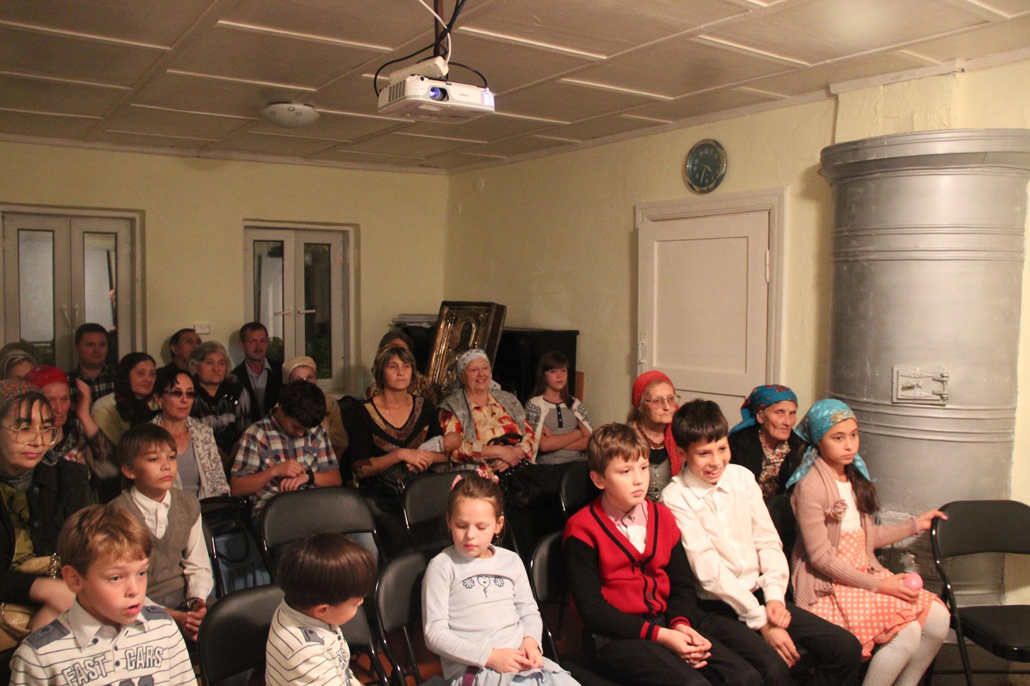 В день памяти преподобного Сергия Радонежского в Душанбинской епархии начал работу кинолекторий.