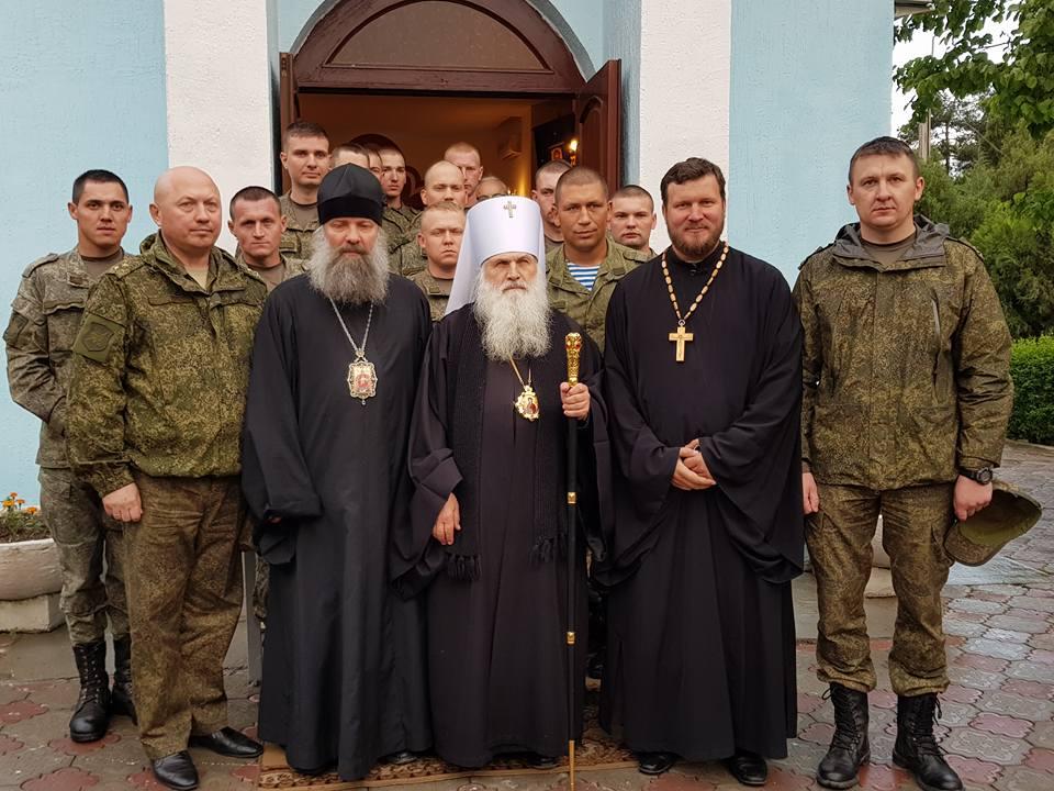 Митрополит Викентий посетил храм при 201-й РВБ