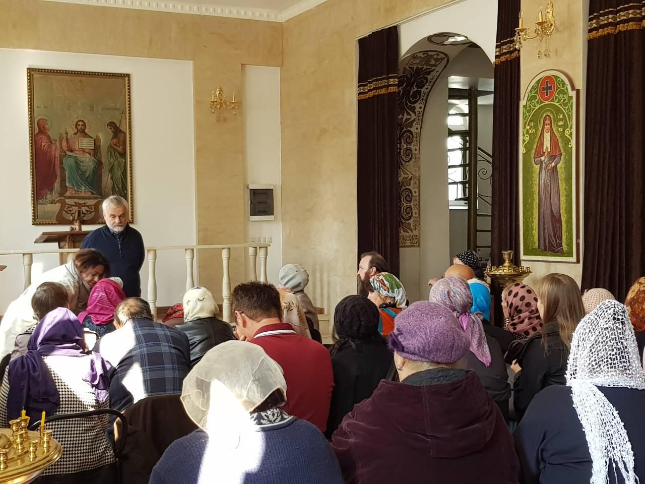 Русский писатель Варламов А.Н встретился с прихожанами собора