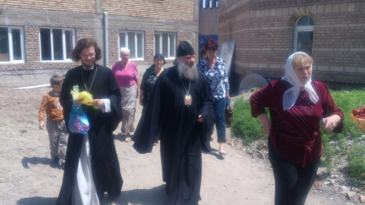 Епископ Питирим возглавил Божественную литургию в храме архистратига Божия Михаила в г. Бохтар