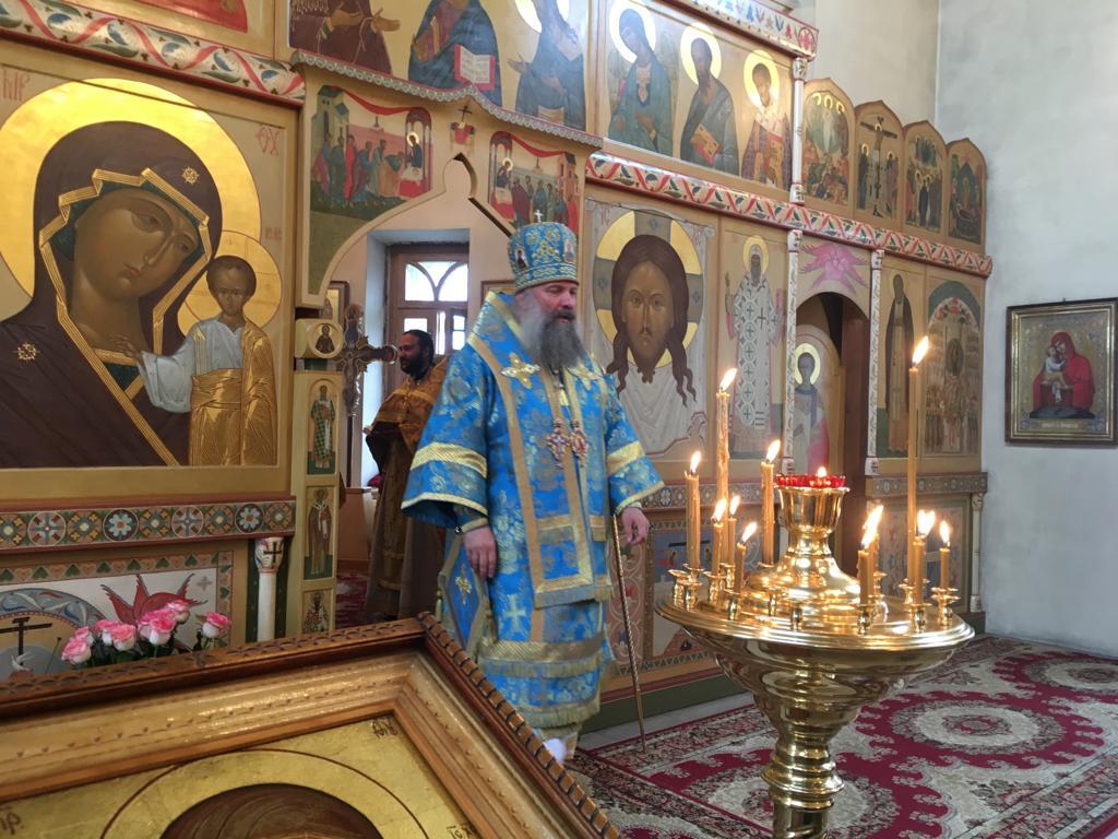 Епископ Питирим совершил Божественную литургию на подворье Хотьковского женского монастыря