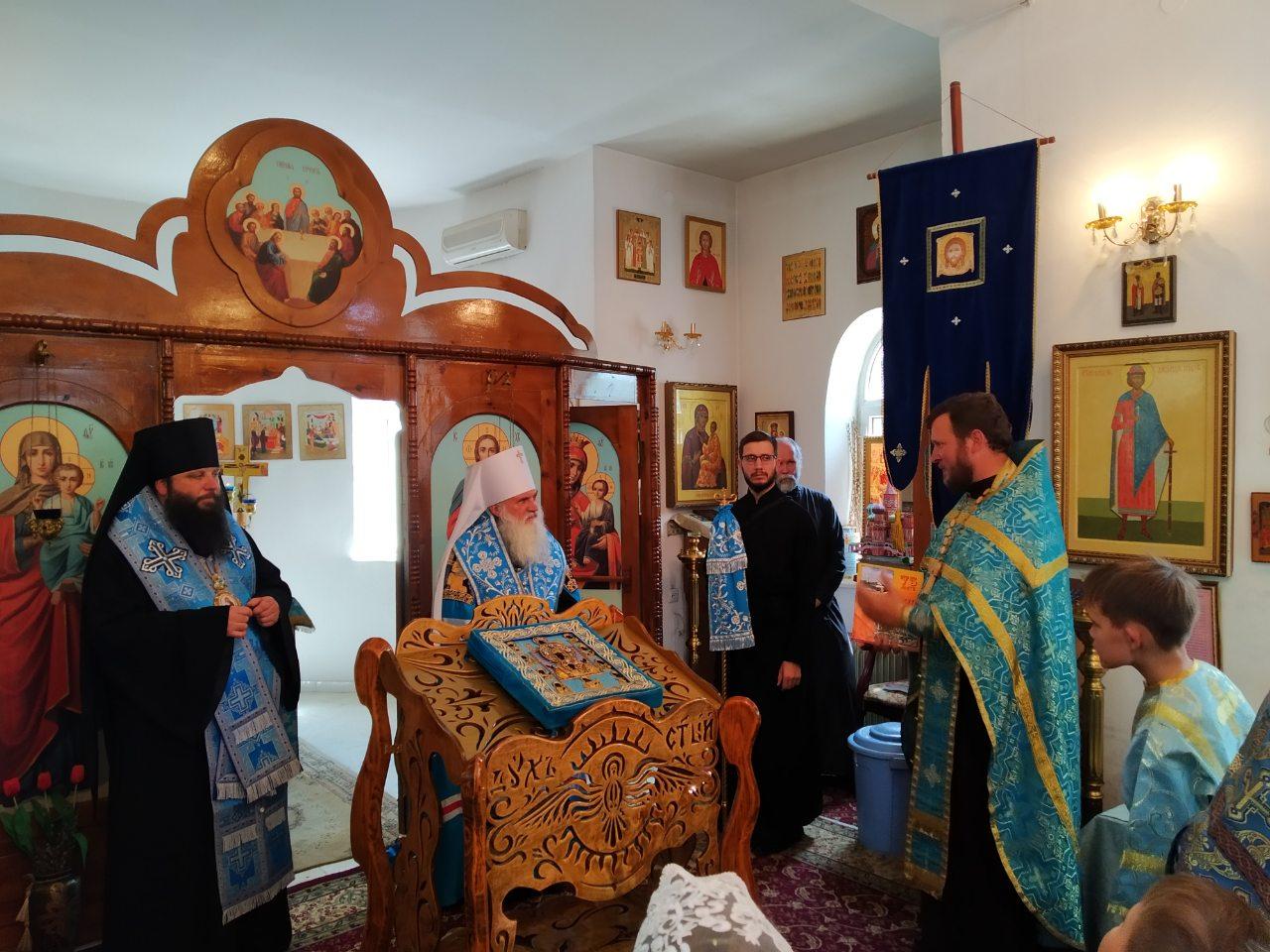 В 201-ю Российскую военную базу доставлена икона Божией Матери Курско-Коренная «Знамение»