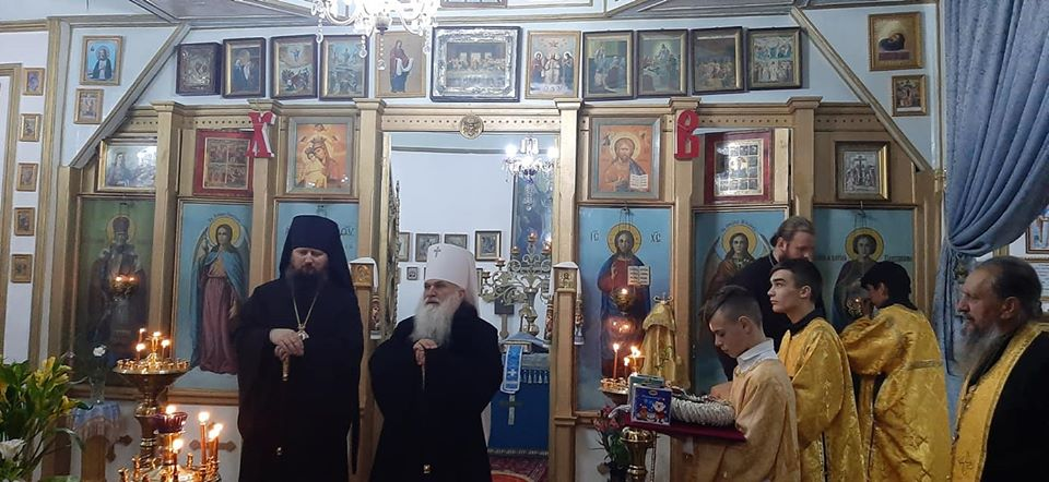 Митрополит Викентий возглавил вечернее богослужение в храме Покрова Божией Матери г. Турсунзаде