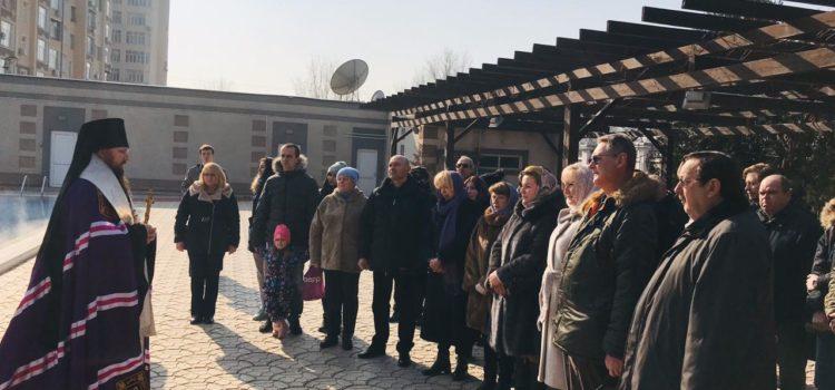 Его Преосвященство Преосвященнейший Павел, епископ Душанбинский и Таджикистанский освятил воды в посольстве РФ
