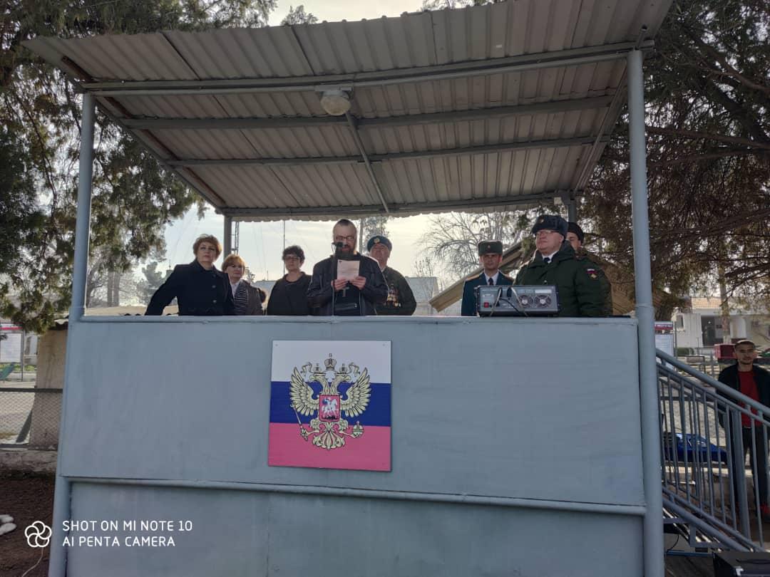 Клирик епархии поздравил военнослужащих 201-й военной базы с Днем защитника Отечества