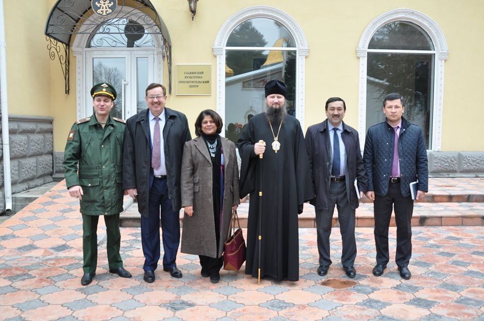 Церемония приема-передачи оборудования Славянскому                                                               культурно-просветительскому центру города Душанбе