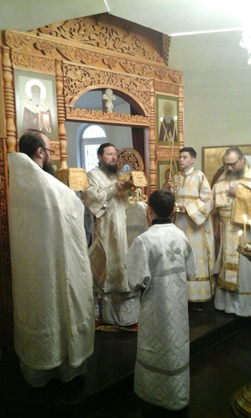 Епископ Павел совершил Божественную литургию в храме Архистратига Божия Михаила г. Бохтар