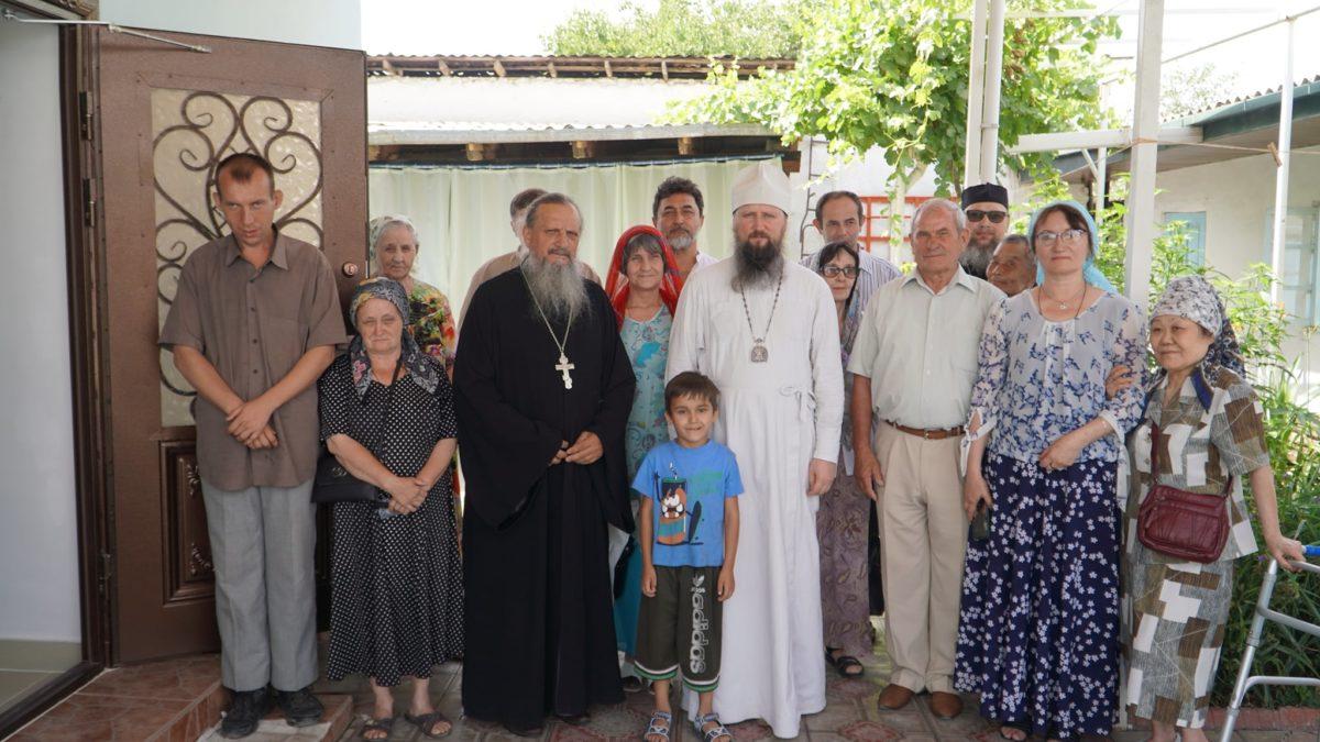Епископ Павел совершил Божественную литургию в храме Покрова Божией Матери г. Турсунзаде